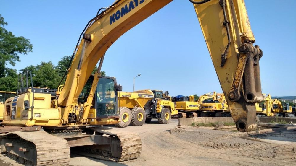 Detail photo of 2012 Komatsu PC360LC-10 from Construction Equipment Guide