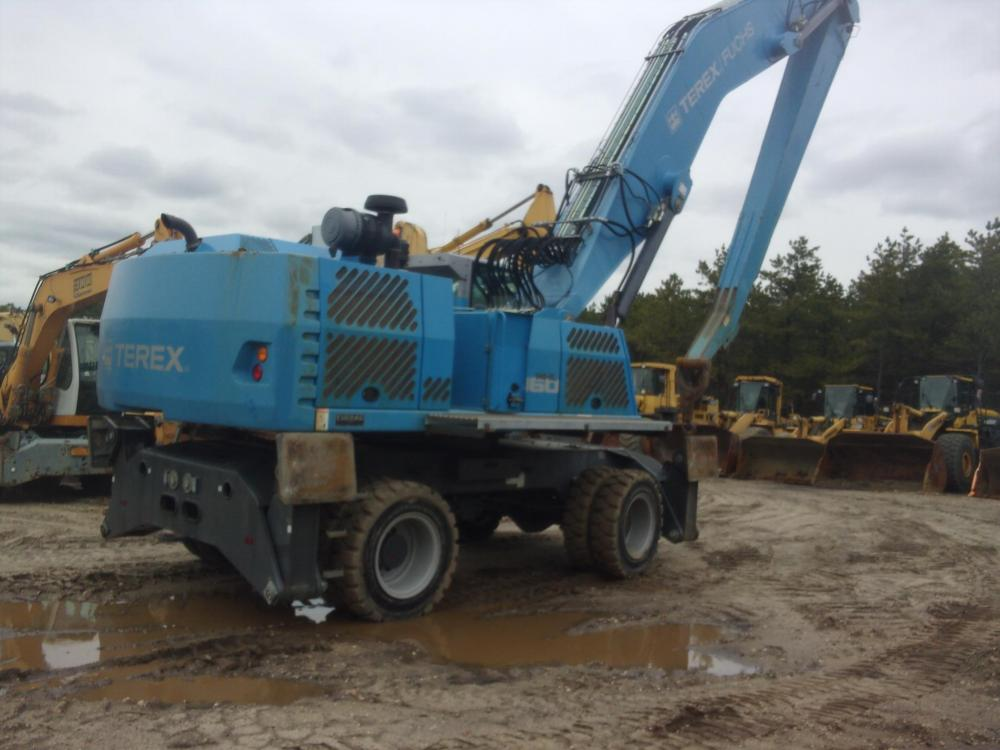 Detail photo of 2015 Fuchs MHL360E from Construction Equipment Guide