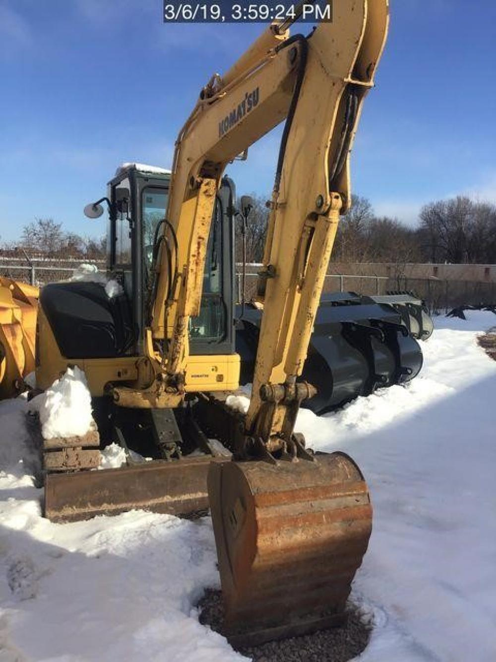 Detail photo of  Komatsu PC40MR-2 from Construction Equipment Guide