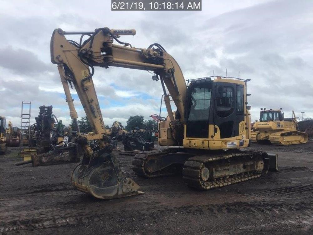 Detail photo of 2009 Komatsu PC138USLC-8 from Construction Equipment Guide