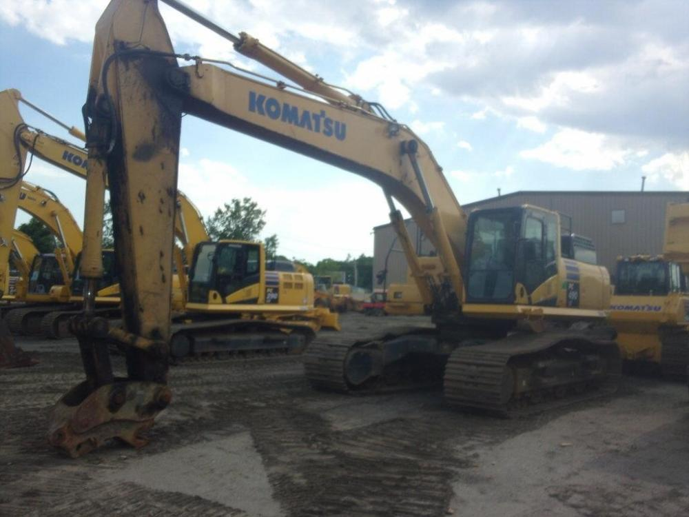 Detail photo of 2011 Komatsu PC490LC-10 from Construction Equipment Guide