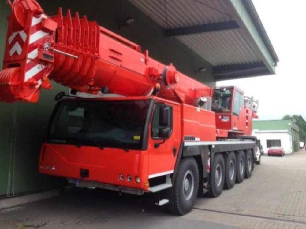 Detail photo of 2013 Liebherr LTM 1100-2 from Construction Equipment Guide
