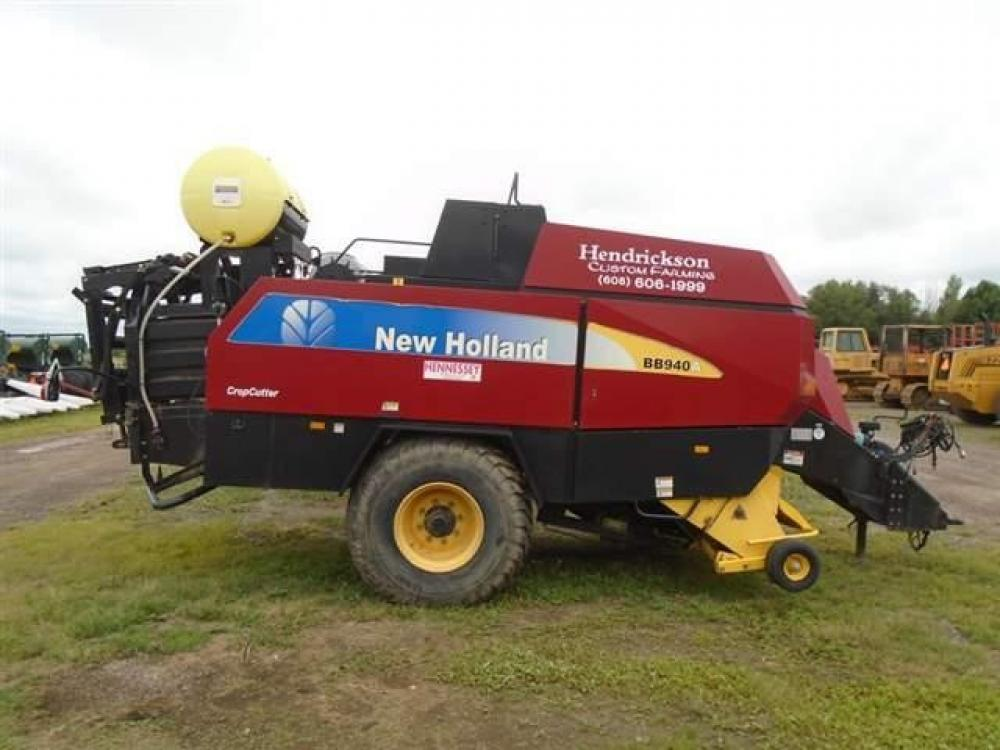 Detail photo of 2009 New Holland BB940A from Construction Equipment Guide
