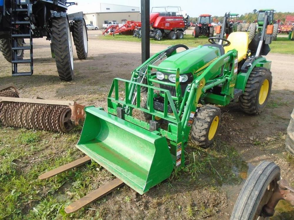 Detail photo of 2015 John Deere 2025R from Construction Equipment Guide