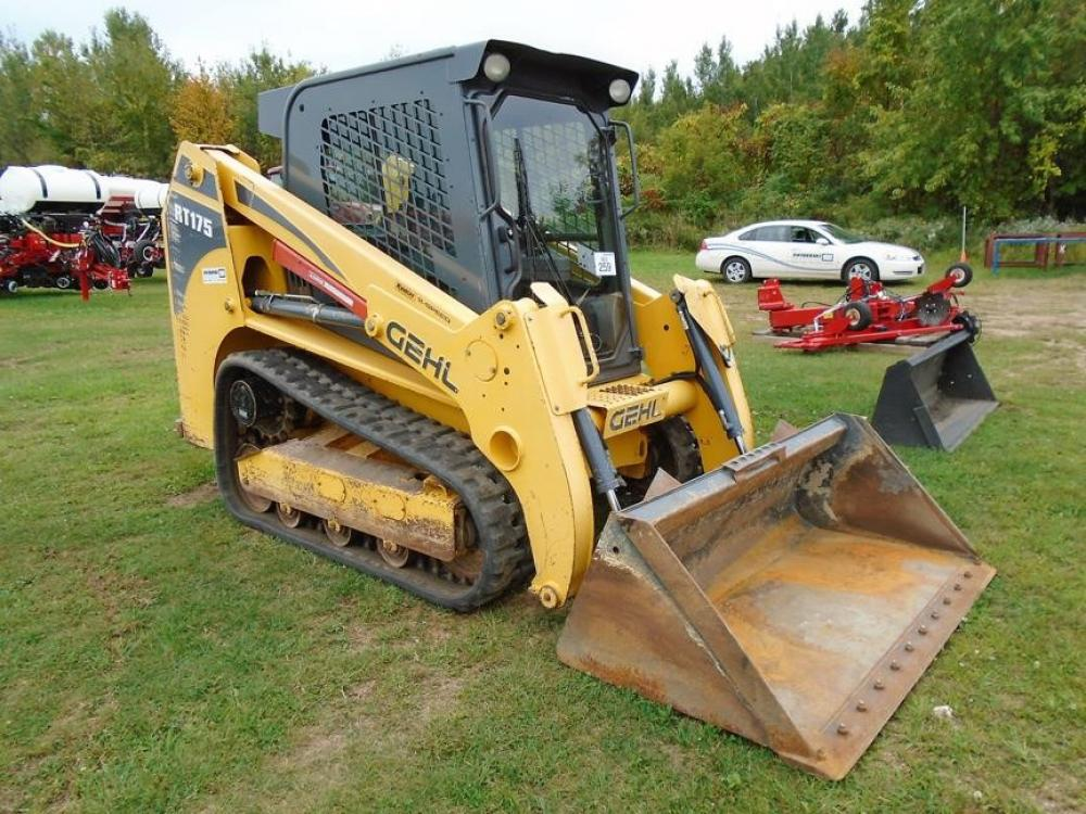 Detail photo of 2011 Gehl RT175 from Construction Equipment Guide