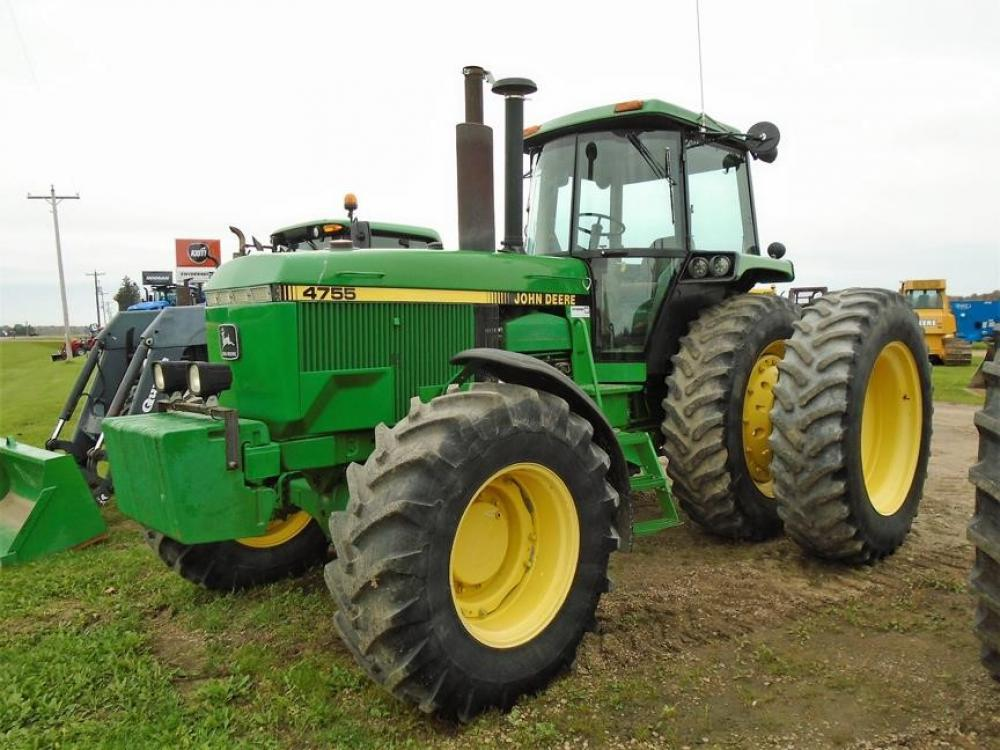 Detail photo of 1989 John Deere 4755 from Construction Equipment Guide
