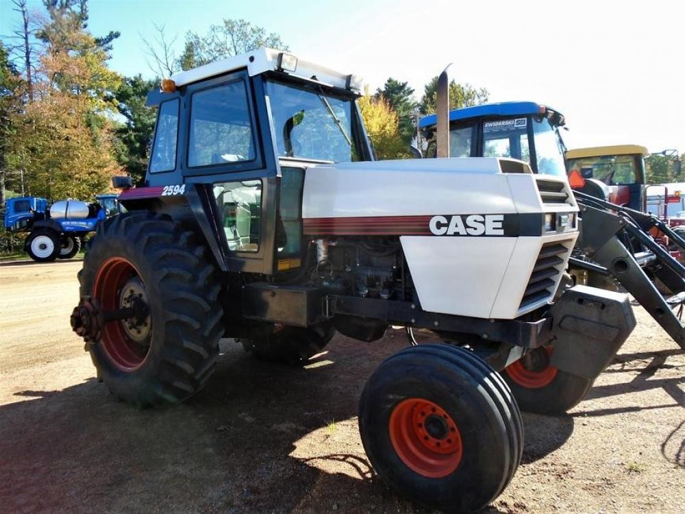 Detail photo of 1983 Case IH 2594 from Construction Equipment Guide