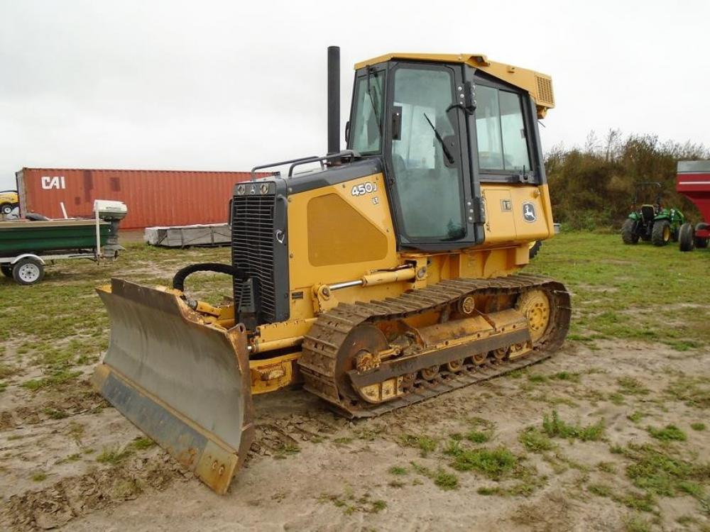 Detail photo of 2005 John Deere 450J LT from Construction Equipment Guide