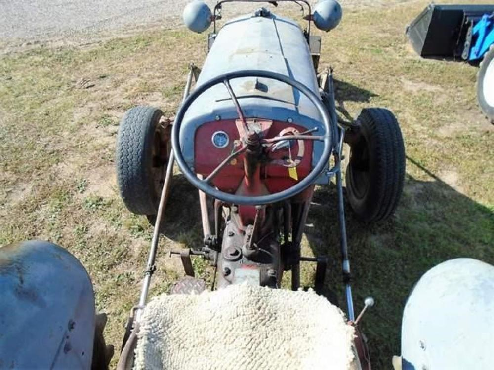 Detail photo of 1940 Ford 9N from Construction Equipment Guide