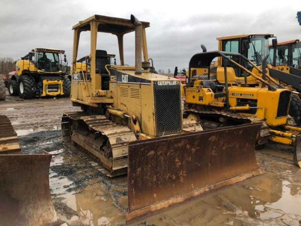Detail photo of  Caterpillar D4C from Construction Equipment Guide