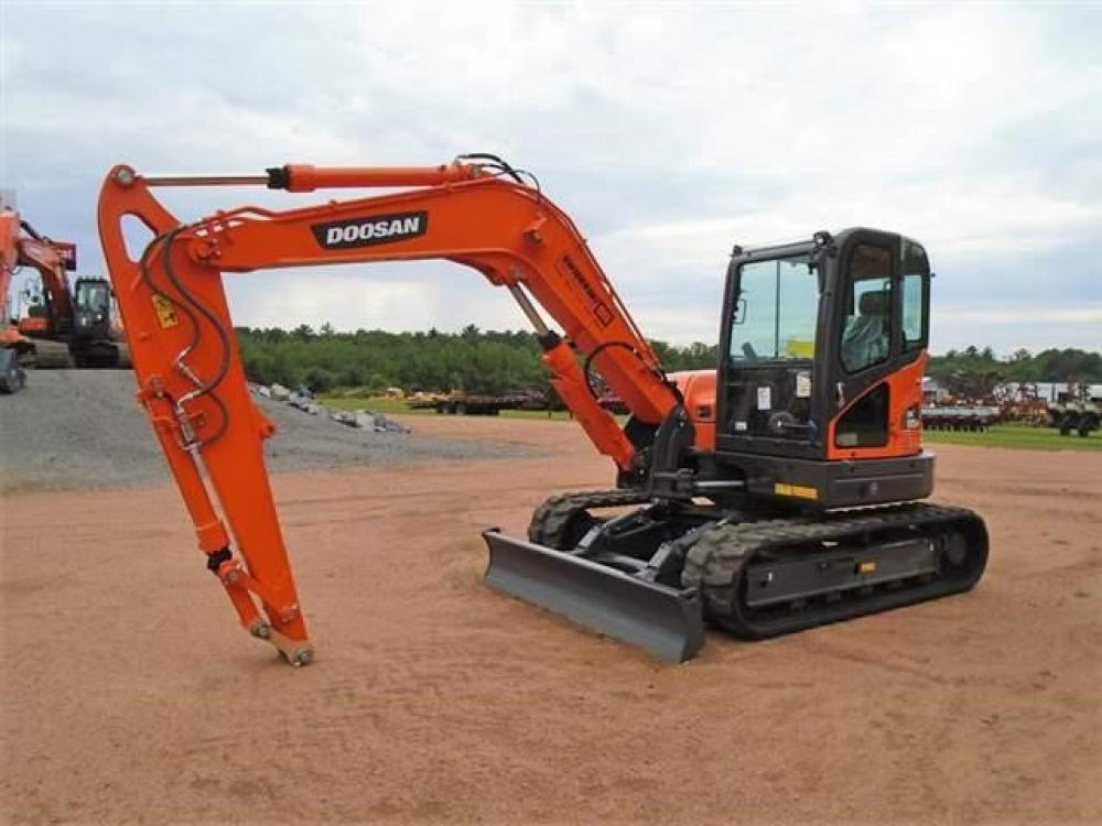 Detail photo of 2018 Doosan DX85R-3 from Construction Equipment Guide