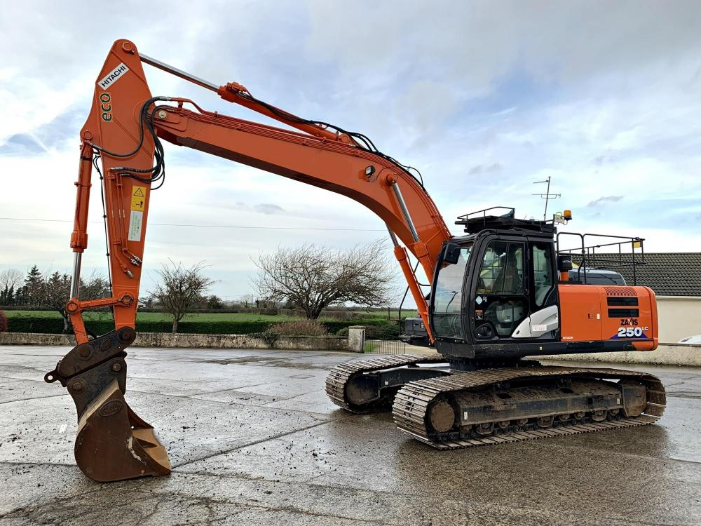 Detail photo of 2016 Hitachi ZX250LC-6 from Construction Equipment Guide