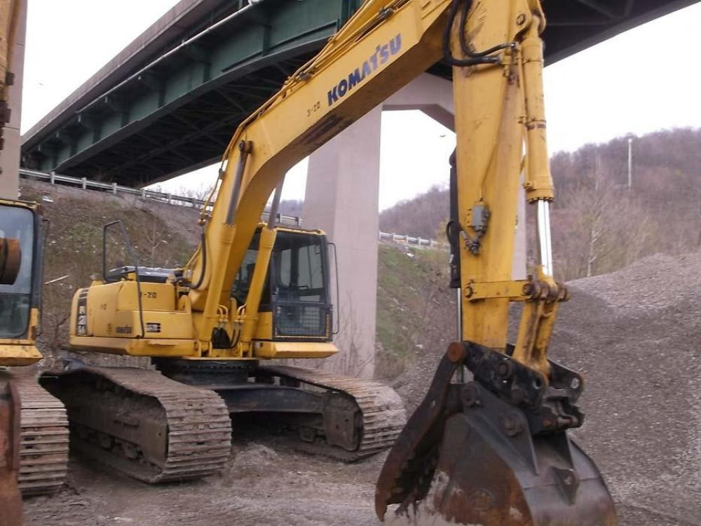 Detail photo of 2010 Komatsu PC270LC-8 from Construction Equipment Guide