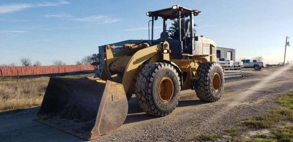 Detail photo of 2005 Caterpillar 928GZ from Construction Equipment Guide