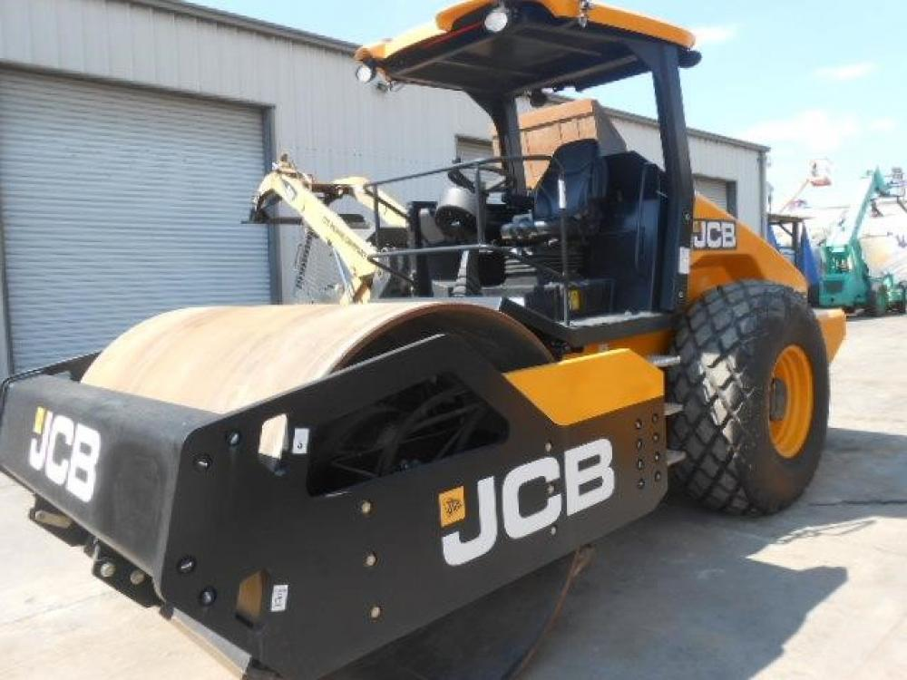 Detail photo of 2015 JCB VM137D from Construction Equipment Guide
