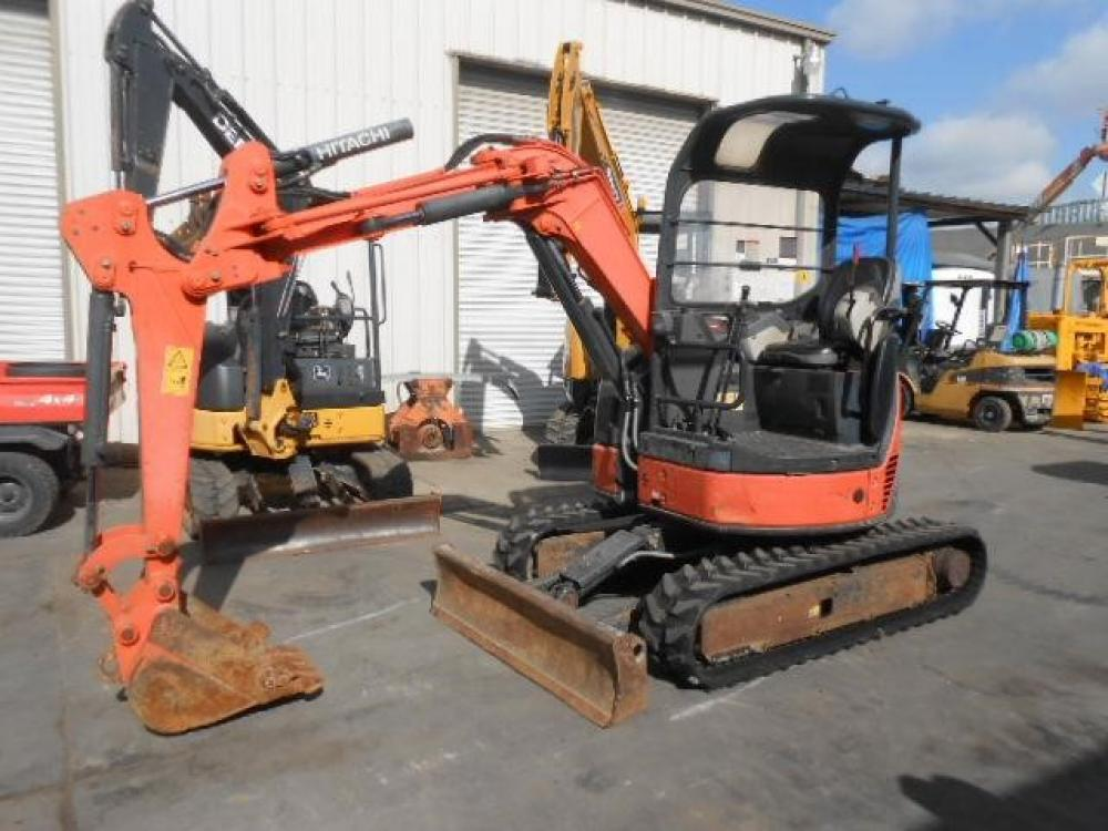 Detail photo of 2010 Hitachi ZX30 from Construction Equipment Guide