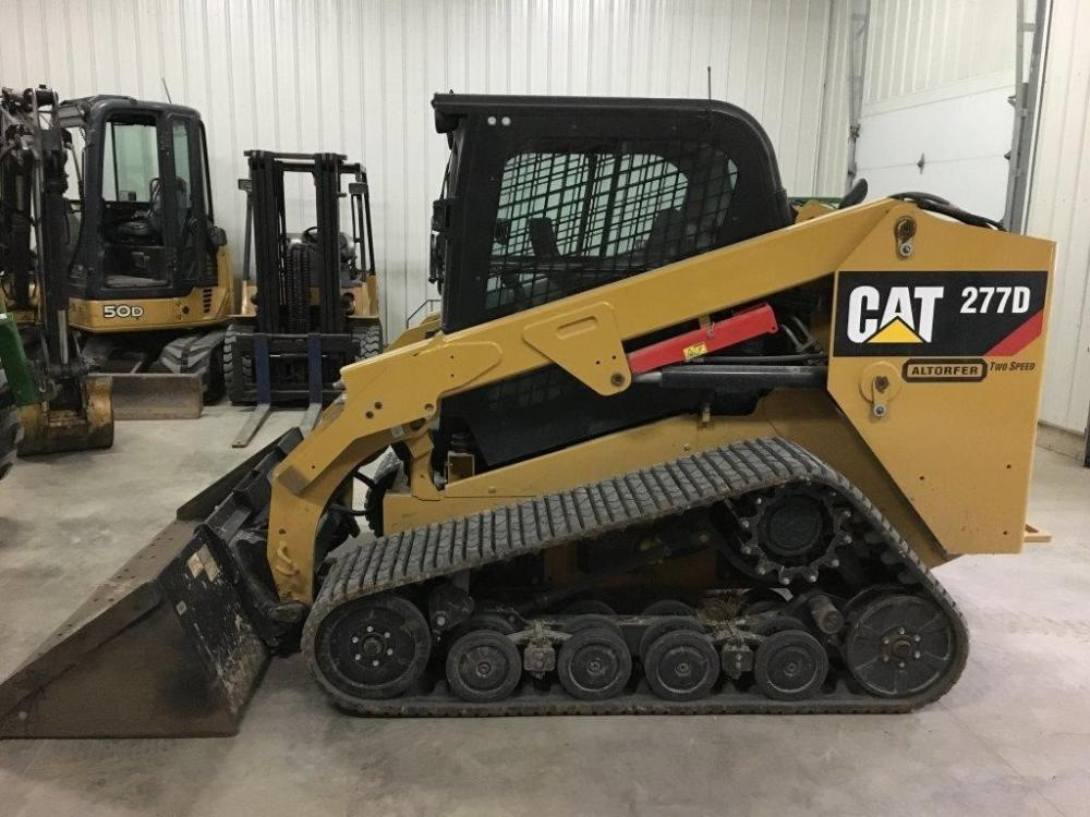 Detail photo of 2014 Caterpillar 277D from Construction Equipment Guide