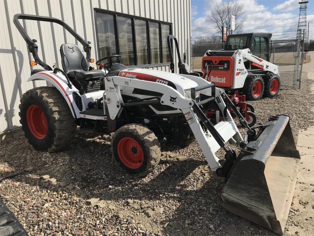 Detail photo of 2009 Bobcat CT225 from Construction Equipment Guide
