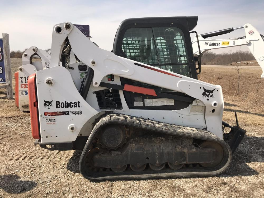 Detail photo of 2015 Bobcat T590 from Construction Equipment Guide