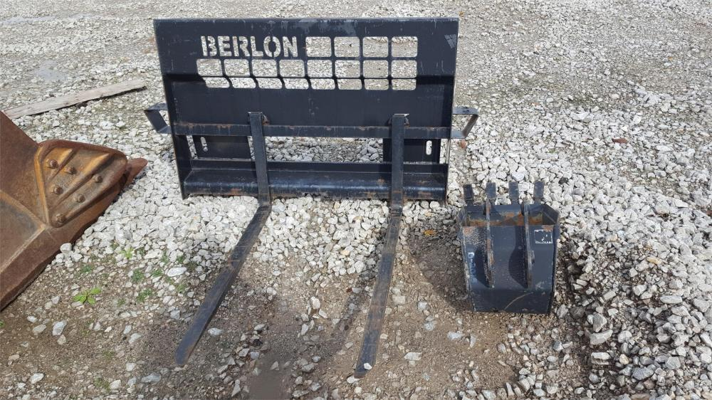 Detail photo of  Berbes Trailer BLDPFF42 from Construction Equipment Guide