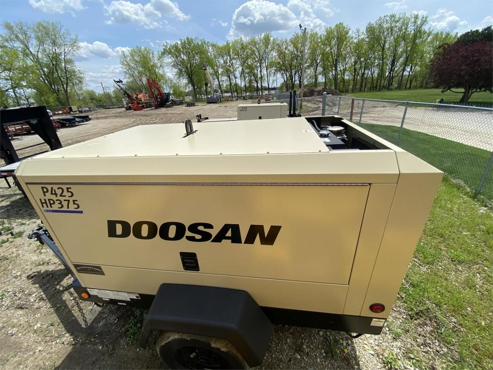 Detail photo of 2020 Doosan Portable Power P425/HP375WCU-T4 from Construction Equipment Guide