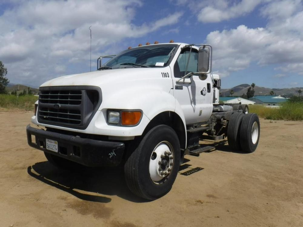 Detail photo of 2001 Ford F650 XL from Construction Equipment Guide