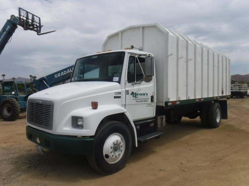 Detail photo of 1998 FREIGHTLINER FL70 from Construction Equipment Guide