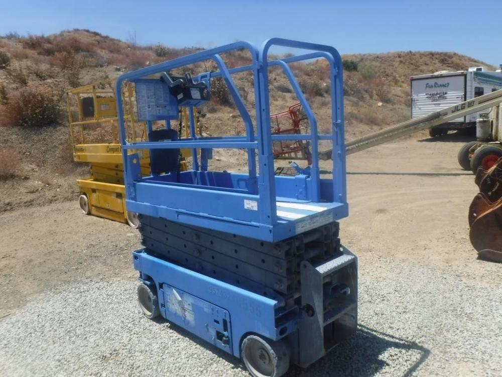 Detail photo of  Genie GS-1530 from Construction Equipment Guide