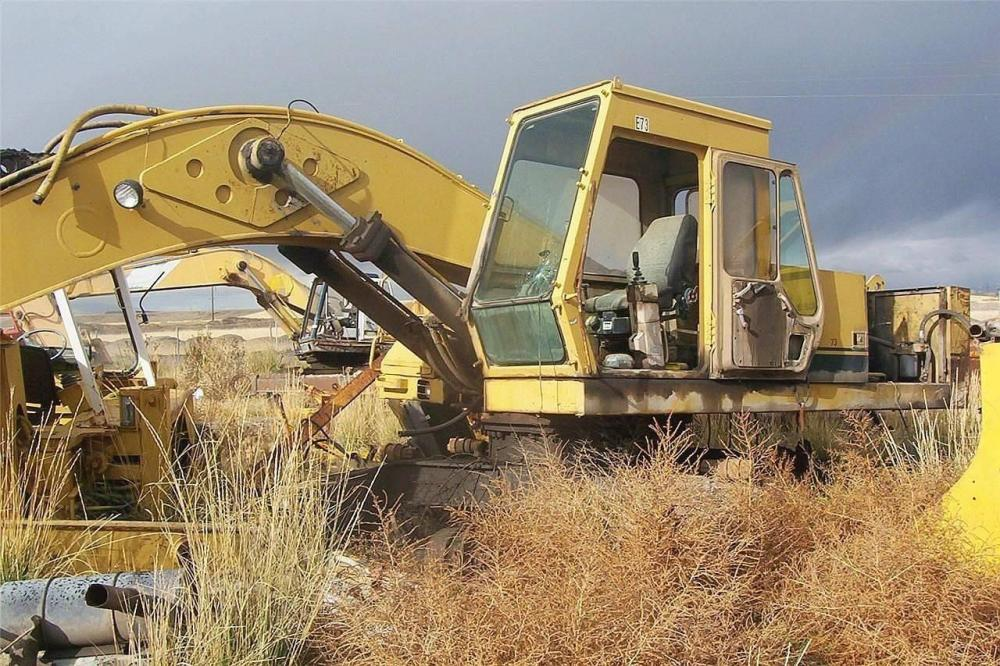 Detail photo of  Caterpillar EL300 from Construction Equipment Guide