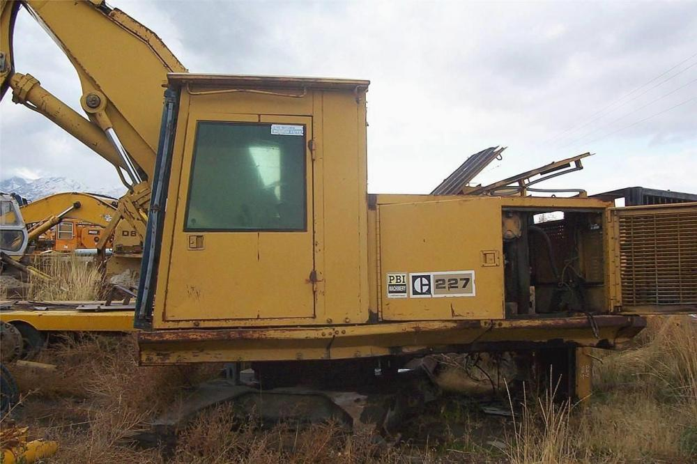 Detail photo of  Caterpillar 227 from Construction Equipment Guide