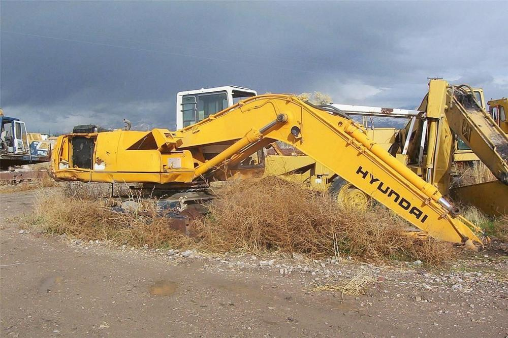 Detail photo of  Hyundai ROBEX 210 LC-3 from Construction Equipment Guide