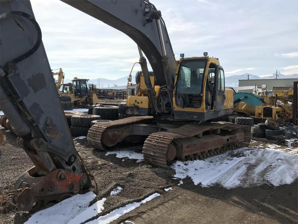 Detail photo of 2002 Volvo EC360B from Construction Equipment Guide