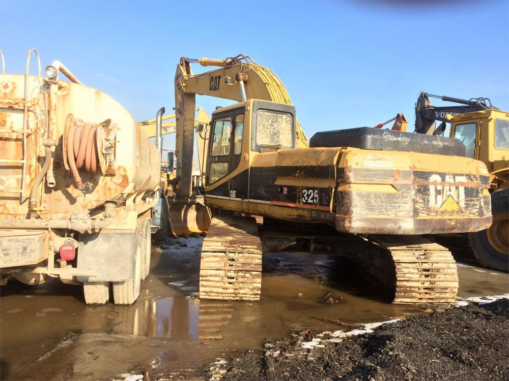 Detail photo of 1994 Caterpillar 325LN from Construction Equipment Guide