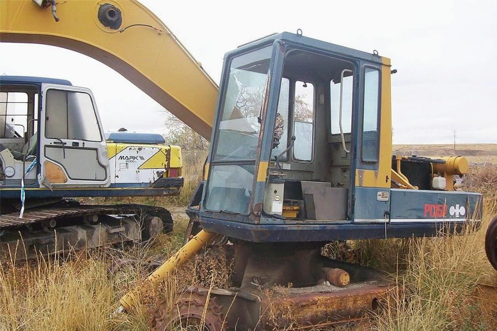 Detail photo of  Komatsu PC150LC-3 from Construction Equipment Guide