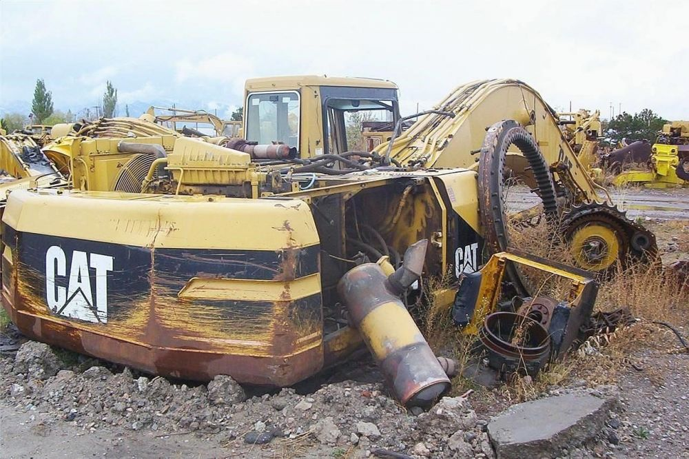 Detail photo of  Caterpillar 330L from Construction Equipment Guide