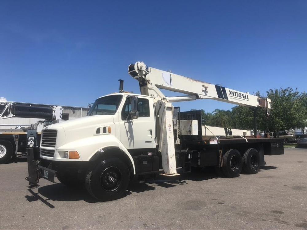 Detail photo of 2000 National 880C from Construction Equipment Guide
