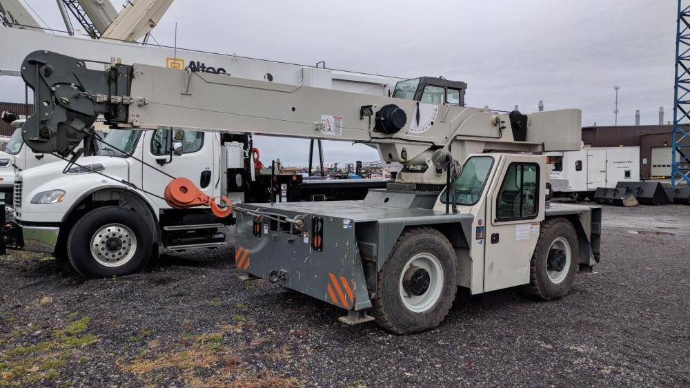 Detail photo of 2013 Shuttlelift CD5515-2 from Construction Equipment Guide