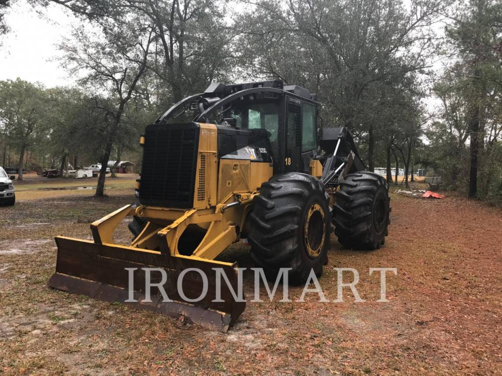 Detail photo of 2012 Caterpillar 525C from Construction Equipment Guide