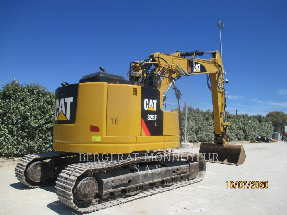 Detail photo of 2017 Caterpillar 325F CR from Construction Equipment Guide