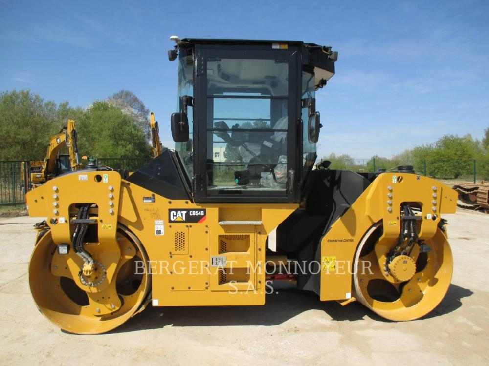 Detail photo of 2015 Caterpillar CB54B from Construction Equipment Guide