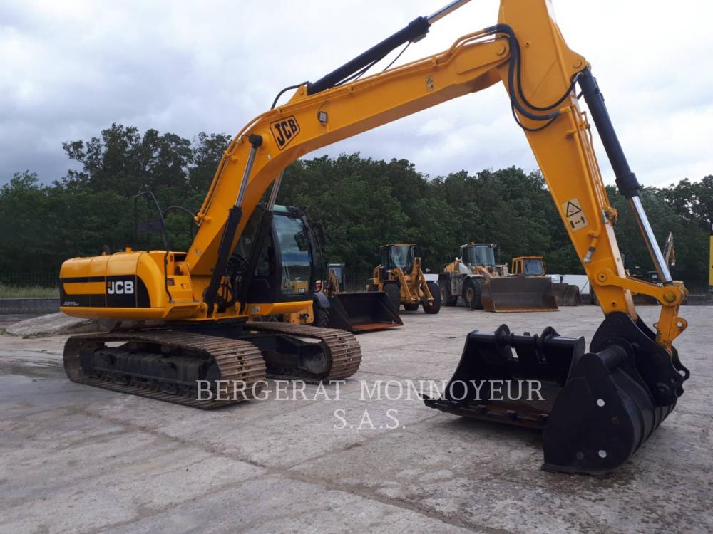 Detail photo of 2010 JCB JS220 from Construction Equipment Guide