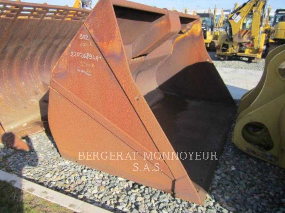 Detail photo of  Caterpillar GODET GRAND VOLUME 972 from Construction Equipment Guide