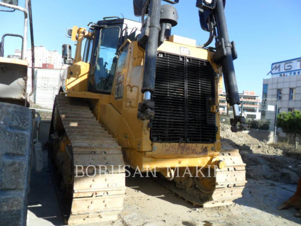 Detail photo of 2016 Caterpillar D8T from Construction Equipment Guide