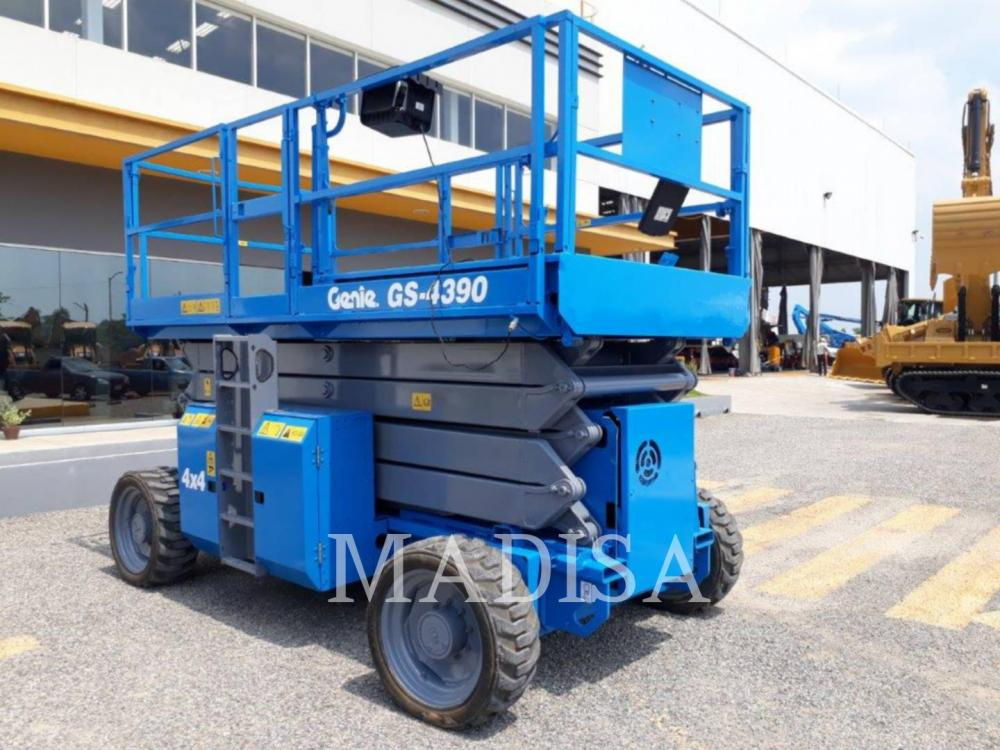 Detail photo of 2013 Genie GS-4390 from Construction Equipment Guide