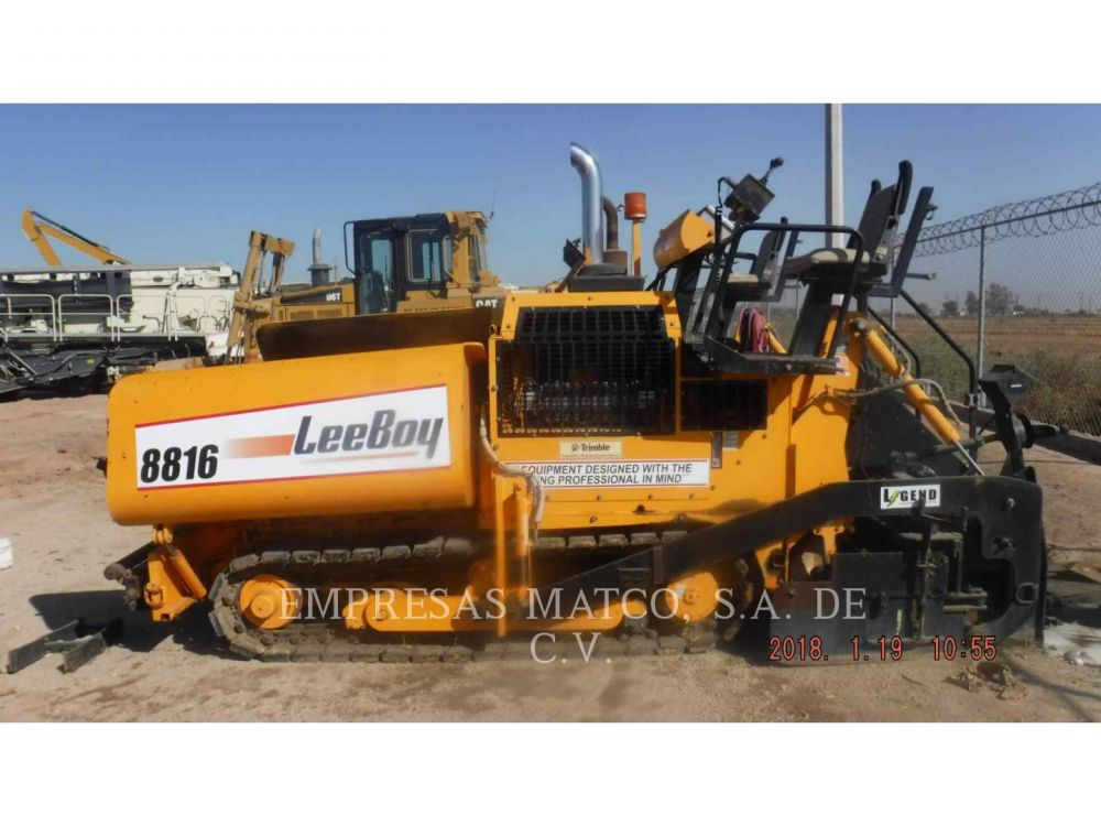 Detail photo of 2009 LeeBoy 8816 from Construction Equipment Guide