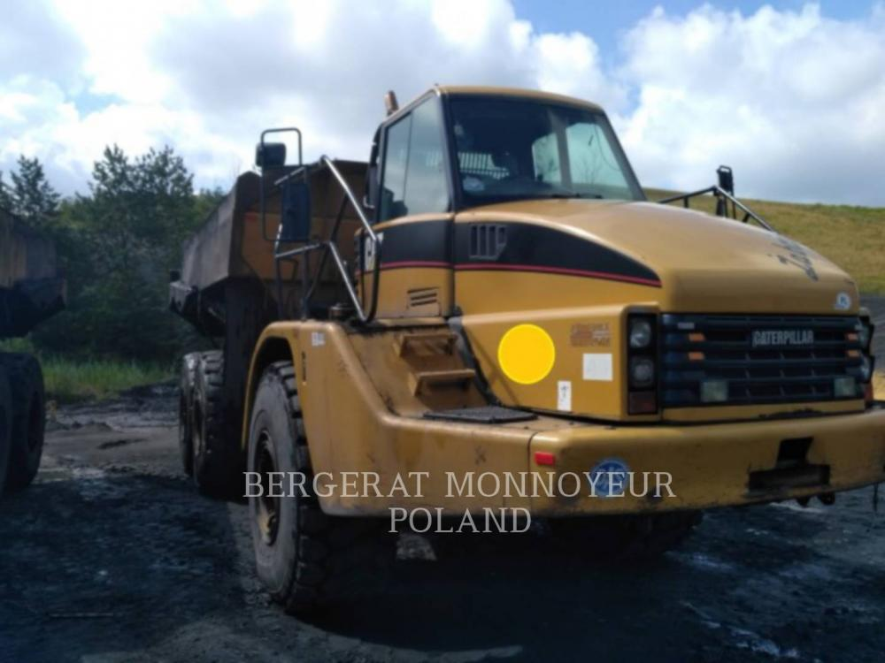 Detail photo of 2004 Caterpillar 740 from Construction Equipment Guide