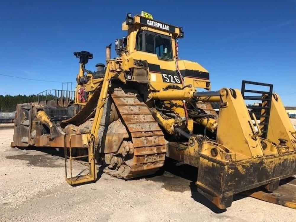 Detail photo of 2000 Caterpillar D11R from Construction Equipment Guide