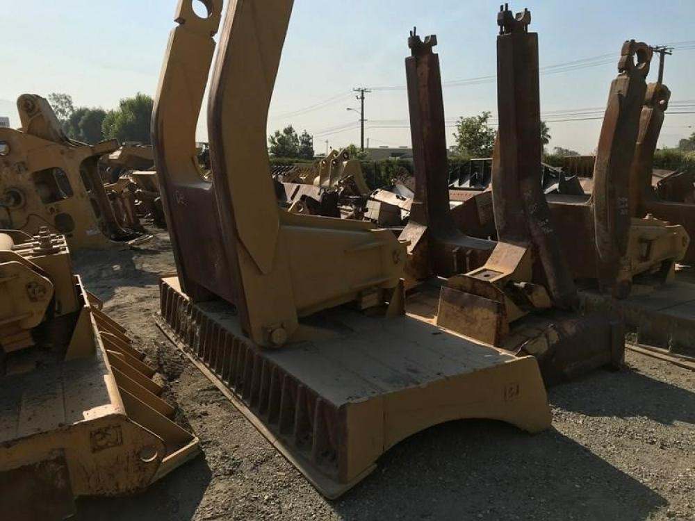 Detail photo of  Caterpillar D11N from Construction Equipment Guide