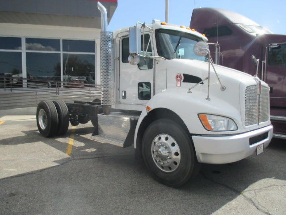 Detail photo of 2009 Kenworth T370 from Construction Equipment Guide