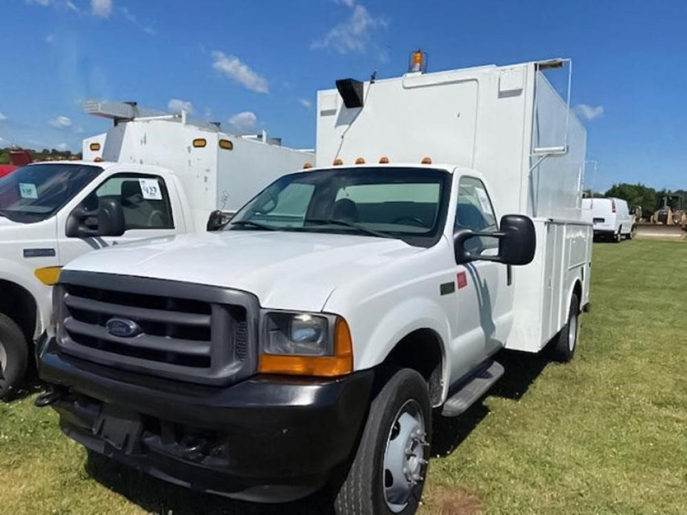 Detail photo of 2001 Ford F550 from Construction Equipment Guide